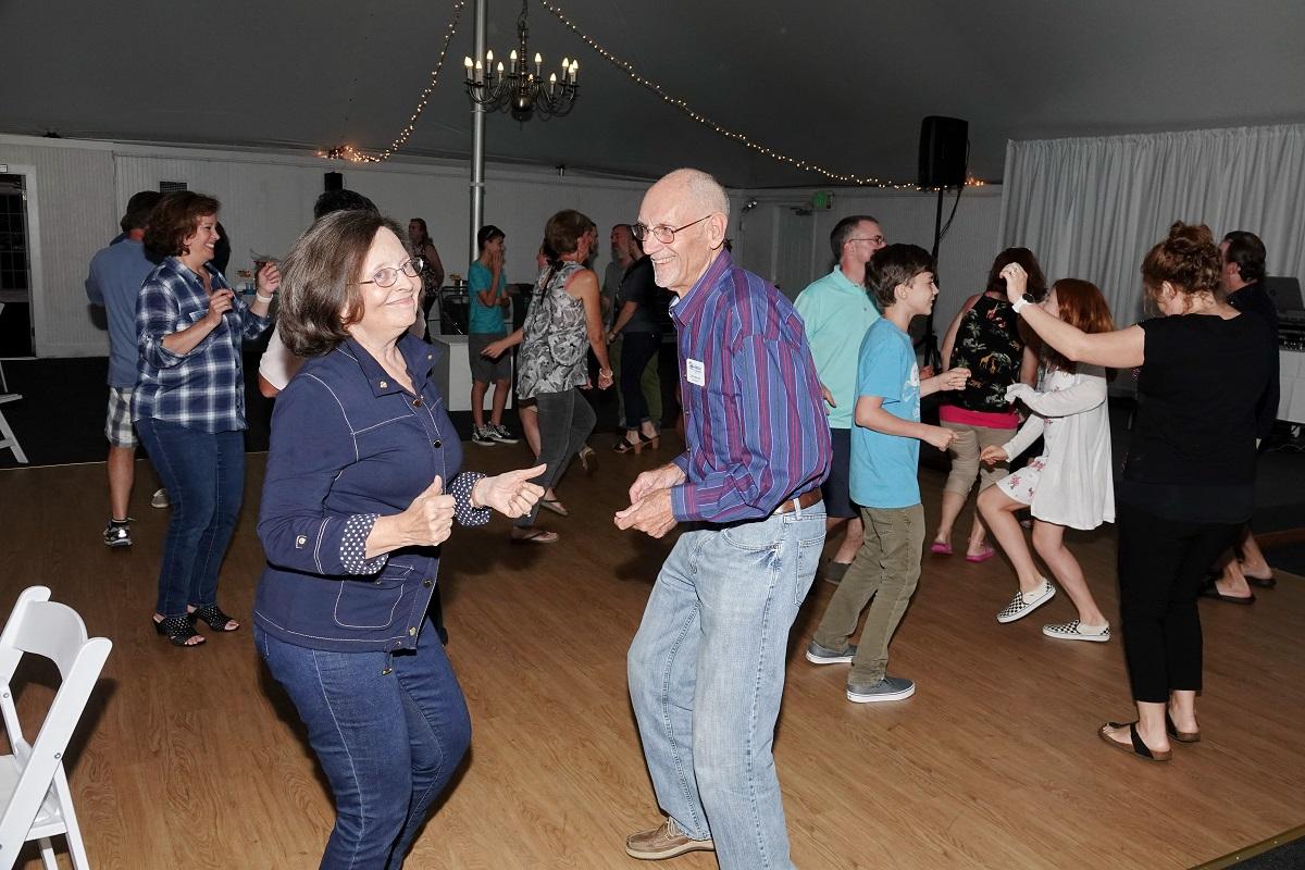 Moores dancing